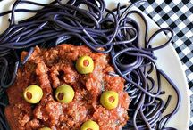 Spooktacular Halloween Food and Drinks / Spooky and cute ideas for Halloween food!