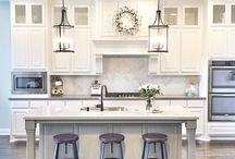 Kitchen Cabinet Upgrades / Beautiful ideas to update your kitchen cabinets