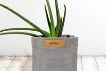 Planters Pots Contemporain Collection / The Breathable Garden Pot Durable and permeable, jardisac lets the water run through the soil creating maximum air circulation to the roots and the soil. The pot is well conceived and low maintenance. It resist bad weather, tears, and is treated against UV rays.asier.