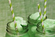 St. Patrick's Day / Green paper straws for the perfect St. Patrick's Day party!