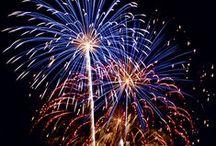Tűzijáték vásár és lebonyolítás / Lepje meg családját, barátait egy szemet kápráztató tűzijátékkal. TŰZIJÁTÉKOK SZABADON VÁSÁROLHATÓK EGÉSZ ÉVBEN!!  Remek kiegészítője lehet a házi buliknak, születésnapi ünnepségeknek és egyéb alkalmak még emlékezetesebbé tételéhez. Házhoz szállítás az ország bármely pontjára, akár 1. nap alatt is. Teljes választékunk megtekinthetőek, videóval együtt az alábbi weboldalunkon. www.latvanypont.hupont.hu Telefon: (30) 863-0775