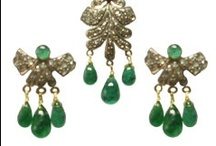 Custome Victorian Jewellery /  Victorian jewelry has its name after one of the greatest Queens in history,  Looking at Antique Victorian Jewellery we often see something from Victorian Jewellery. Victorian Jewellery that is treasured for elegant looks and exceptional finishing.
