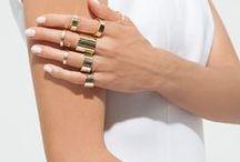 HANDS - RING / Stacked Rings and Cool Nails.  NAEKTA ist ein Inhaber geführter Schmuck Online Shop. Fein, humorvoll und zeitgemäß. In Deutschland: Versandkostenfreie Bestellung. Kostenlose Rückgabe.