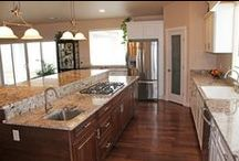 Amazing Kitchens / Amazing kitchens and cool design features in homes