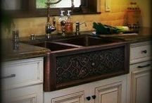Copper Kitchen Sinks / Custom copper kitchen sinks hand hammered as drop-in, undermount and farmhouse with apron.