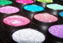 Beautiful eyeshadows / by Dorz Kingsley
