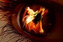 FUOCO⚝☽◯☾⚝ / ❈ Quintessenza ❈ E' l'elemento primordiale da cui originano tutti gli altri, oltre lo spazio-tempo, l'Elemento non creato e indefinibile.Le religioni lo chiamano Dio, gli Ermetisti lo chiamano Etere, gli Alchimisti Quintessenza, le Streghe l'Akasha, i Buddisti giapponesi lo chiamano Chi. Qualunque nome vogliate dargli, esso è lo Spirito.Esso vi rappresenta, così come rappresenta il potere che siete capaci di dirigere sul vostro obbiettivo magico. (g.w.com) NO PIN LIMITS-REPIN AT WILL!!!