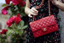 •Fashion passes, style remains• / Una ragazza dovrebbe essere due cose: di classe e favolosa.  ~Coco Chanel