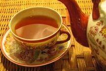 Ceaiurile - Remediile naturale la indemna tuturor / Ceaiurile din plante se pot prepara din radacini, seminte, frunze, flori proaspete sau uscate. La 200 ml de apa de adauga o lingurita de planta. Se lasa la infuzat 5 minute, apoi se indulceste cu miere. Foarte aromate, sunt fara indoiala aliatul de incredere al sanatatii.