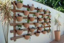 Jardines de mis sueños / Un espacio para ideas de como hacer jardines en tu hogar, faciles y atractivos / by Stephania Trejos