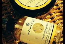 NOMINOË - Cosmétiques de Bretagne / Textures délicates, formules pures et efficaces, démarche éco-responsable, parfums modernes et originaux, la marque Nominoë est née en 2008 de deux passionnés bretons. Avec un univers poétique et raffiné, Nominoë propose aujourd'hui une ligne haut-de-gamme de six soins visages et corps à base de plantes de Bretagne, plutôt oubliées dans la cosmétique traditionnelle. Parmi les composants précieux des ingrédients comme le blé noir, l'artichaut, le genêt, la criste marine ou encore l'ajonc.