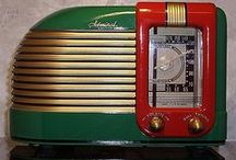 A art deco - radio, clock / art deco  and radio
