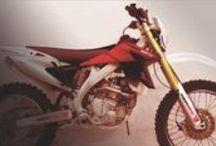 ART Factory Motor / Eléments de décoration de motos, kits déco, stickers, autocollants. Aussi disponibles pour quads, jet-ski, kart, vélos,...