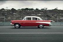 Chevrolet Bel Air 1957 // Dreamday with Dreamcar / Miete diesen wunderschönen rot-weißen Chevy Bel Air für Deine Hochzeit! Das beste ist, du sitzt selbst am Steuer. Mehr Infos zu unseren Hochzeitsautos zum selbst fahren findest du auf unsere Homepage.