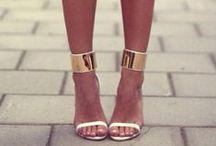 White & Gold Suggestions / Fashion, luxury, trends, jewels, style & more...but onlywhite & gold! Moda, lusso, tendenze, gioielli, stile... ma rigorosamente bianco & oro!