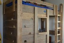 Kindermeubels   kinderkamer / Kinderkamer inspiratie, houten kindermeubels en meer voor kids. Een stoer peuterbed, een houten tafeltje met stoeltjes of een steigerhouten kinderkamer.