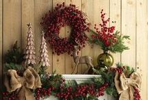 HOLIDAY   Country Christmas / Taking time to decorate and accessorize your dining room will only make your holiday get-togethers more of a success.