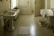 Interior design (bathrooms)