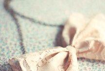 Colliers, Anneaux et Bracelets / by Maria Muñoz