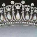 Pearl - Tiara Mania / Tiaras made with pearls
