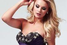 Etiquette prom dresses  / wwww.etiquettecode.com