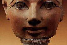 #45 Hatshepsut / The History Chicks Podcast, Episode 45