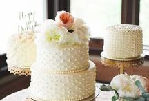Wedding Cakes / Inspiration board for wedding cakes - find the perfect cake and pick the right sweet treats for your big day!