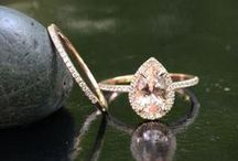 Engagement Rings & Wedding Bands / Inspiration board for wedding rings and wedding bands - find lots of shiny bands to help decide on your perfect rings!