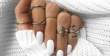 Jewellery / A Mix Of Statement & Fine Jewellery inc. Rings, Bracelets, Earrings & Necklaces