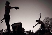 Twenty one pilots / Twenty One Pilots es un dúo musical estadounidense originario de Columbus, Ohio. La banda se formó en el 2009 y consiste de Tyler Joseph y Josh Dun. Antes de firmar un contrato con Fueled by Ramen en 2012 sacaron dos álbumes de forma independiente, Twenty One Pilots en 2009 y Regional at Best en 2011. En 2013, lanzaron su primer álbum de estudio, Vessel, con Fueled by Ramen.