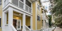 Park Place - Seaside, FL / 1 BR 1.5 BA Park Place, located on the outskirts of Ruskin Place Artist Colony, overlooks Seaside's DiBicci Park, and features a very park-like setting of its own.