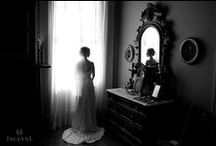 Featured: Jaclyn L Photography / Jaclyn L is a destination wedding photographer based out of historic Newport, RI.  www.JaclynLPhotography.com