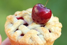 FOODS-PIES & TARTS / by Roe Yandell