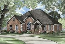 One Story House Plans / Single story house designs are on the rise; affordable, efficient and offering functional layouts, today's modern single story homes feature a host of amenities that are compatible with today's families and their lifestyles.