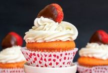 *{Food} Cupcakes <3 / Cupcakes, Cupcakes and more Cupcakes... Recipes, Tips and Tricks! / by Cami @ The Crafting Nook