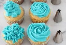 *{Food} Icing & Frosting / It's never enough recipes for frosting and icing! So enjoy! / by Cami @ The Crafting Nook