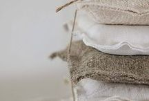 ♡ Pillows and blankets  / Kussen | Pillow | Deken | Blanket | Warm | Cosy | Linnen | Linen | Kleed | Pillowcase | Kussenhoes | Home | Decoration | Interior | Decoratie | Interieur | Beddengoed