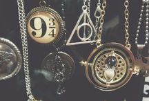 i want (merch and stuff) / Please someone give me these c: