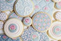 Let them eat cake / Beautifully decorated cakes that look too pretty to eat.