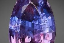 The Heaven's Stone: Sapphire Meaning and Uses / Sapphire has been used throughout history for its powers over prophecy and its connection to the Divine. — Sapphire Stone Meaning and Uses