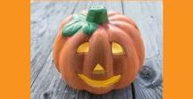 Sara's Favorite Halloween Ideas / Easy and fun ideas for Halloween crafts and treats for the family and more!