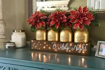 Festive mason jars / Beautiful mason jar centrepieces all decorated for the holiday season