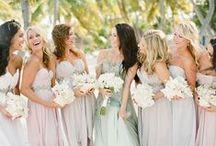 hochzeiten l brautfreundinnen / Auch wenn es in Deutschland nicht üblich ist Braut(jungfern)freundinnen zu haben, finde ich die Idee doch sehr schön.  Hier also etwas Inspiration für Euch!