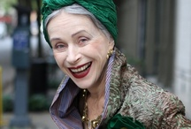 REAL style heroes / Women, famous or not, beautiful or not, but who all exude a unique and admirable style in the way they dress and present themselves.