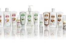 OMIA EcoBioVisage / EcoBioVisage è la nuova linea di cosmetici ecobiologici per la detersione ed il trattamento del viso, si compone delle linee: Mandorla e Malva – per pelli secche e sensibili,  Aloe Vera – per pelli miste con zone grasse, Argan - per pelli normali e miste