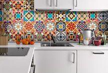 Azulejos Talavera - México / O Habitus Brasil te convida a se inspirar com a estética mexicana com essa seleção de projetos de decoração que utilizar azulejos Talavera.