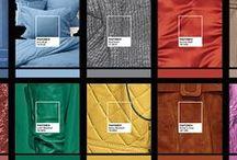 Manifestação das cores e dos materiais / Uma ação envolvendo a Pantone e os Núcleos de Design de Superfícies e Inteligência Estratégica & Design, ambos ligados à Siq Marketing, e a MateriaLAB, deram origem a uma interessante exposição. O trabalho, denominado Manifestação das Cores e dos Materiais, apresenta a leitura dos sinais de tendências e as manifestações das cores nas ruas e nas cidades, fazendo um paralelo com materiais sustentáveis e a diversidade de tipos e aplicações.