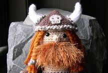 Toys and Dolls / Miniatures, Knitting patterns, sewing patterns, and crafts centred around dolls and toys.