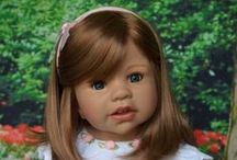 """October Arrivals Production Doll """"on location"""" photos / Masterpiece Dolls"""