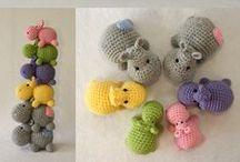 cose di maglia per i bimbi / giochi pupazzzi e accessori divertenti fatti a maglia e uncinetto